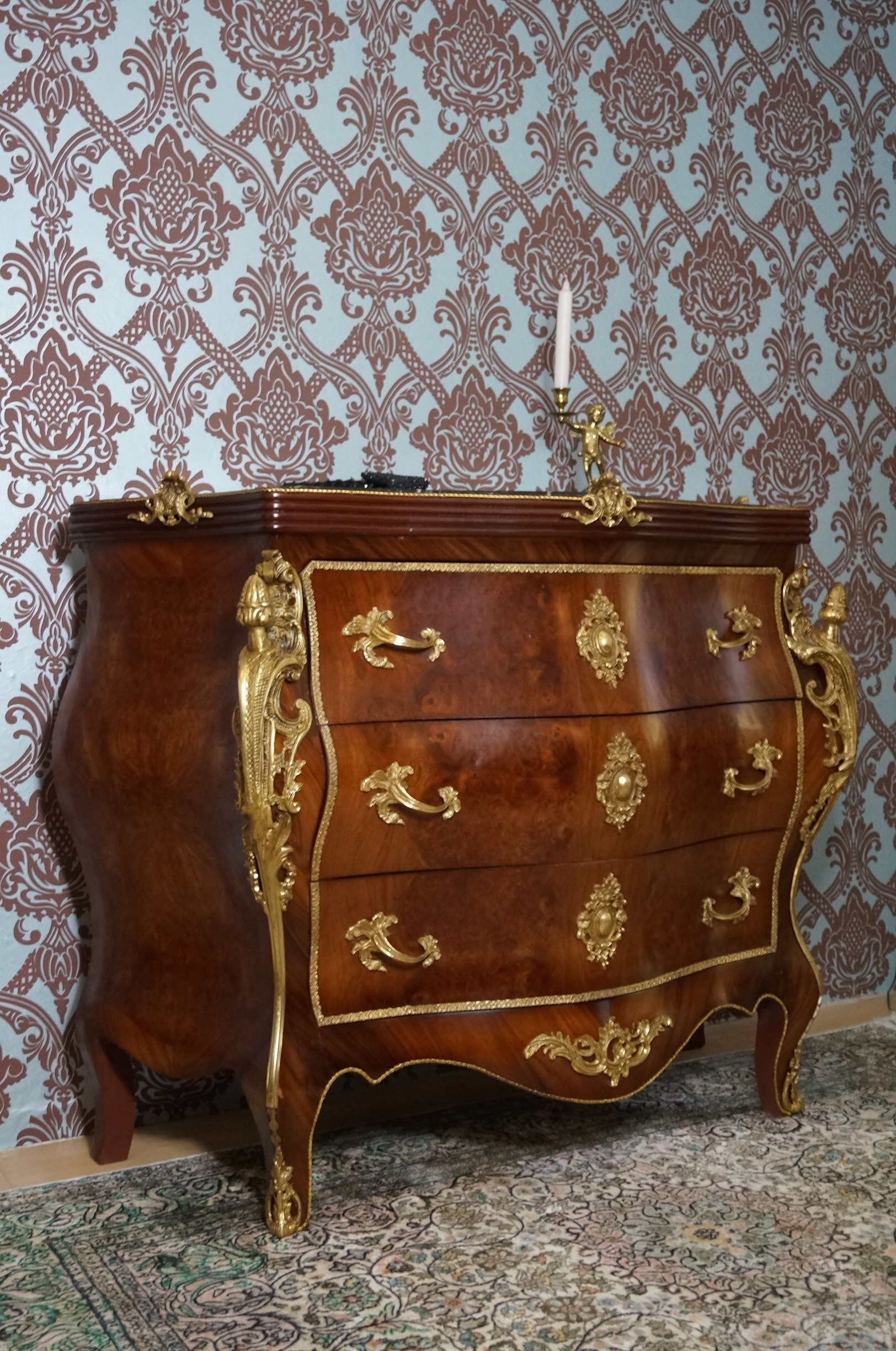 commode chiffonnier buffet style baroque louis xv plateau en marbre esprit de ch teau. Black Bedroom Furniture Sets. Home Design Ideas