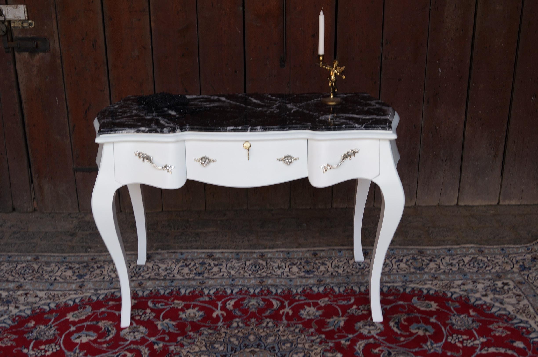 Bureau plat de style bois massif blanc plateau en marbre noir dun