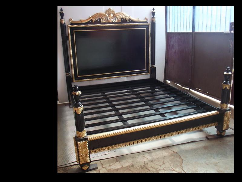 Cadre De Lit Queen Size 160x200cm Noir Et Dore A La Feuille D Or D